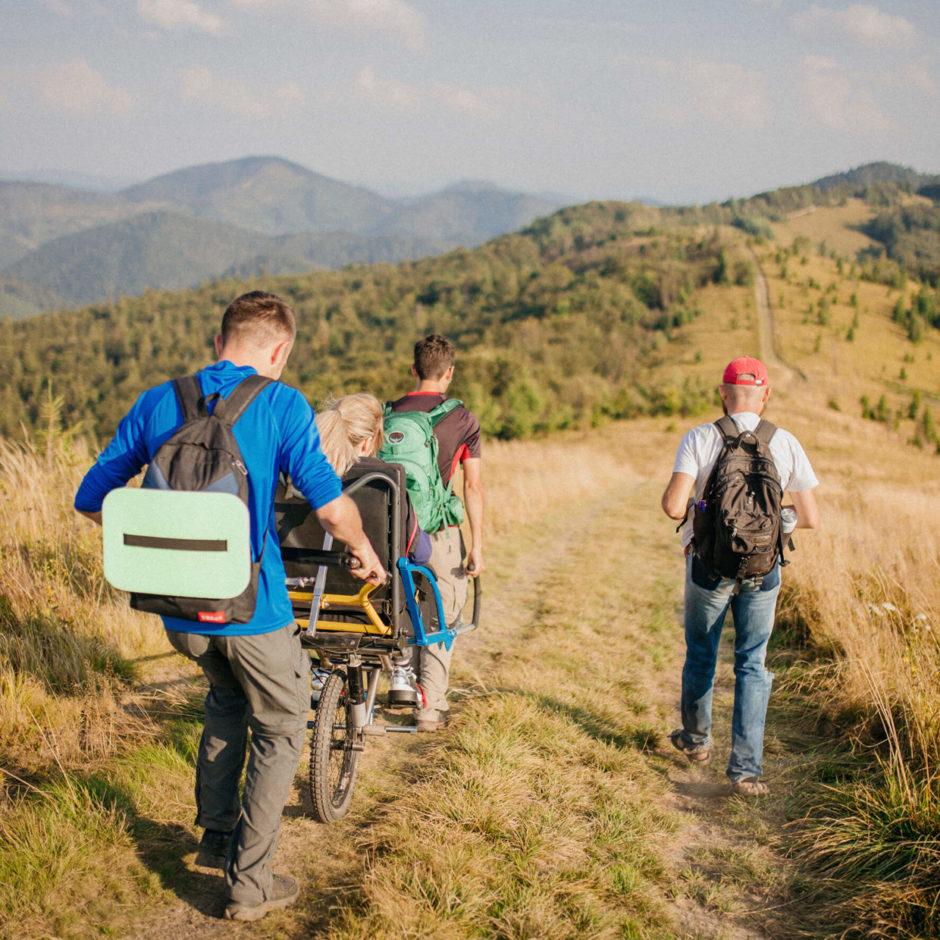 похід в гори людини з інвалідністю