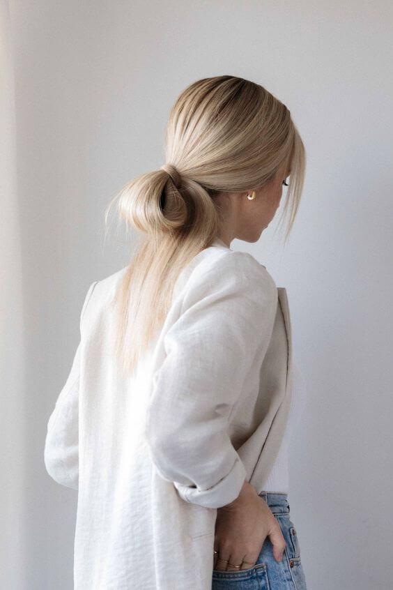 волосся блонд