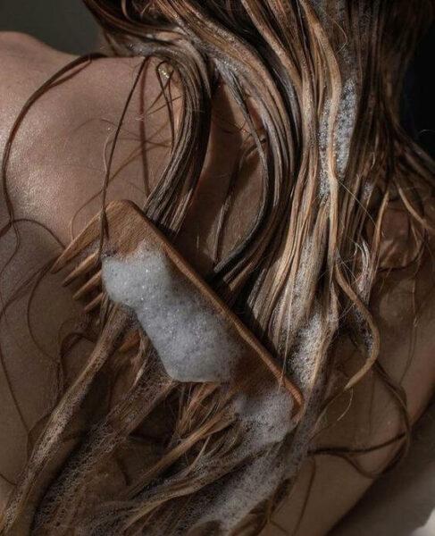 вологе волосся